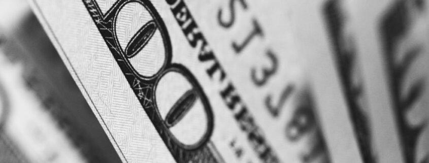 Schwache Indikatoren ziehen den Dollar nach unten